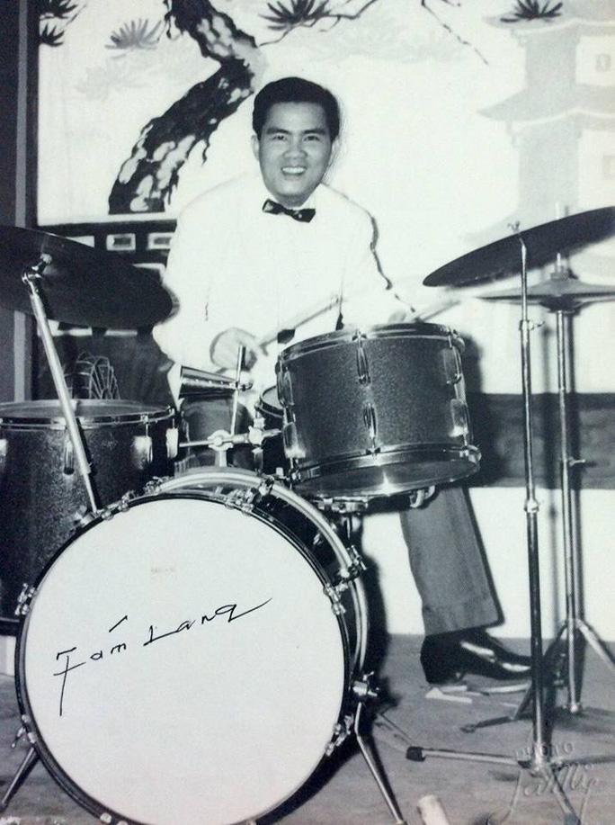NS Tám Lang khi còn trẻ - trưởng ban nhạc Đại Nam