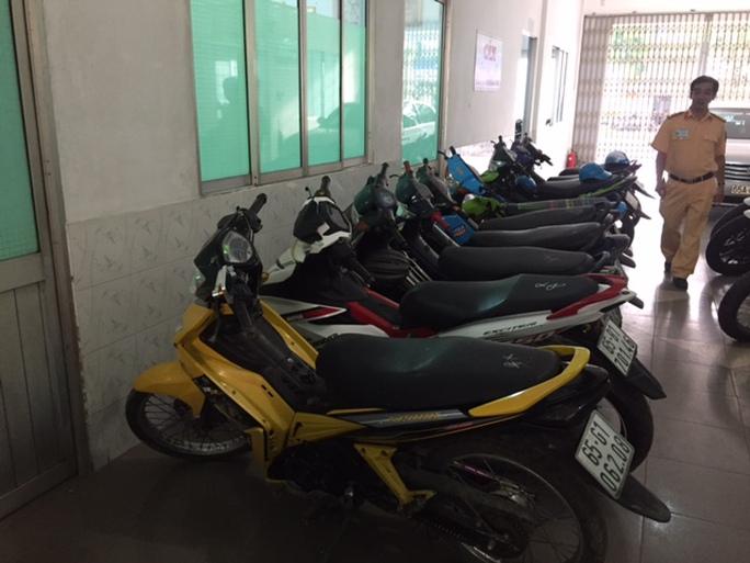 Những xe mô tô được binh lại đua với tốc độ rất cao.