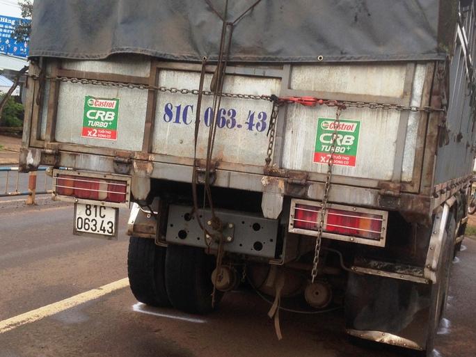 Chiếc xe ô tô tải tại hiện trường - Ảnh Chí Dũng