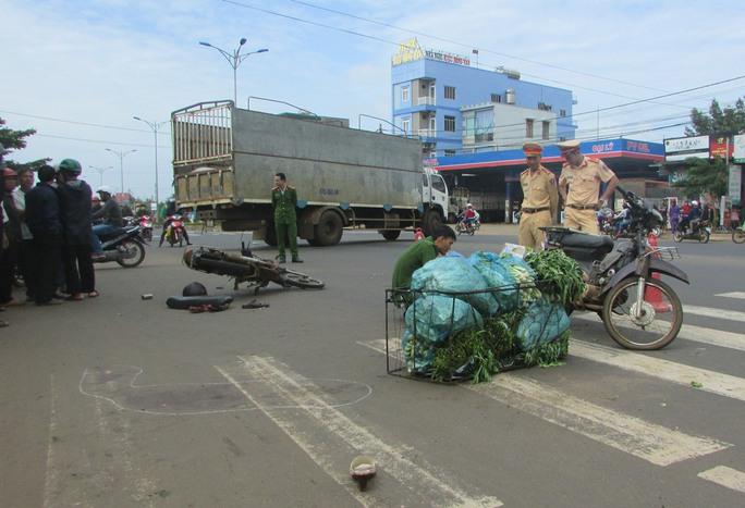Hiện trường vụ tai nạn làm 3 người thương vong