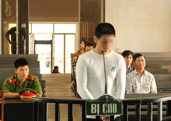 Phạm Linh L. phạm tội khi mới gần 16 tuổi