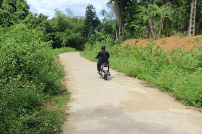 Các cán bộ, lãnh đạo xã Bình Lâm đã kê khống hồ sơ rút ruột ngân sách khi làm các tuyến đường bê tông trong xã
