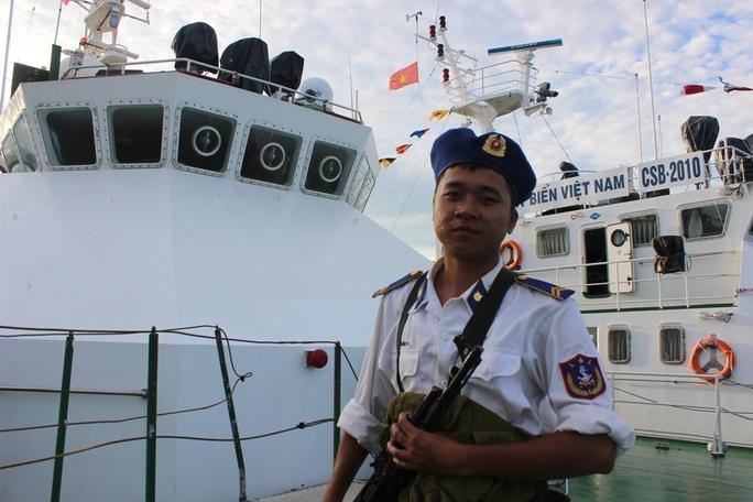 Tân binh cảnh sát biển làm nhiệm vụ
