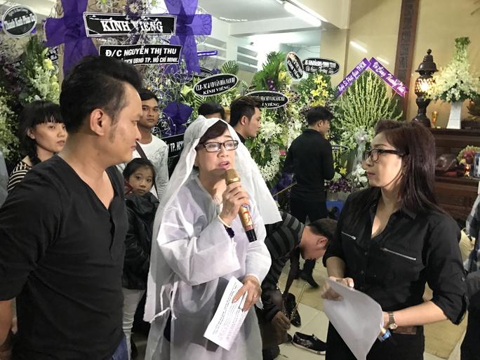 NSƯT Phương Hồng Thủy, Thoại Mỹ, Hữu Quốc trong đêm văn nghệ tiễn biệt sầu nữ Út Bạch Lan