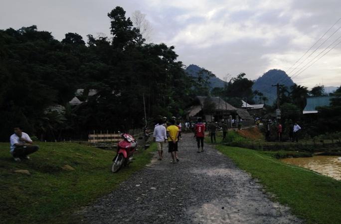 Người dân thôn Chiềng Cà 2 bàng hoàng khi tai họa bất ngờ ập xuống đầu họ