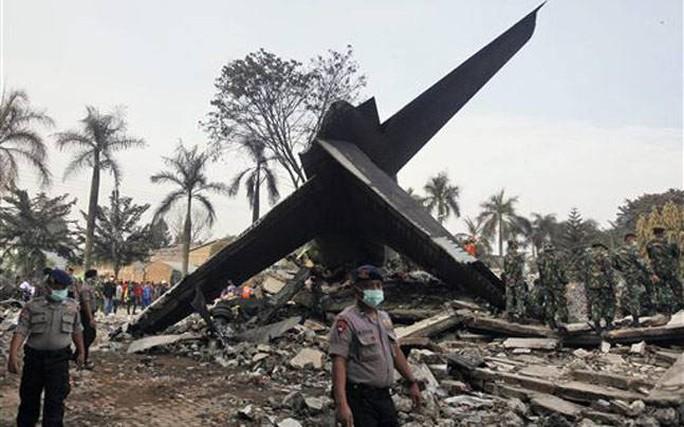 Indonesia cũng từng xảy ra vụ máy bay vận tải rơi khiến nhiều người thiệt mạng. Ảnh: India Today