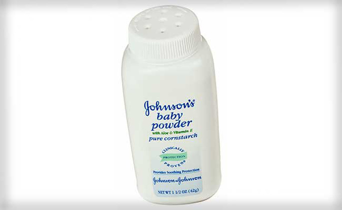 Một sản phẩm phấn bột em bé của tập đoàn Johnson & Johnson. Ảnh: NDTV