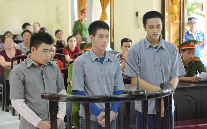 Từ trái sang là Khanh, Phú và Khang.