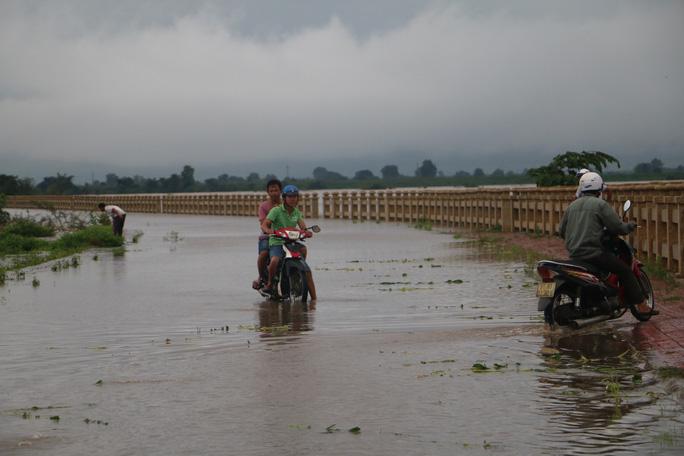 Nhiều vùng ở Gia Lai và Phú Yên đã bị ngập