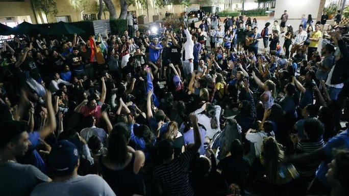 Biểu tình tại trường đại học ở TP Los Angeles. Ảnh: Los Angeles Times