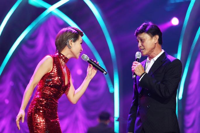 Tuấn Ngọc song ca cùng Uyên Linh