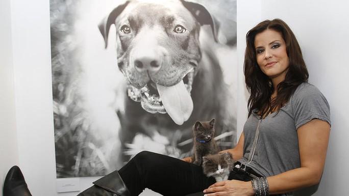 Cựu Hoa hậu Mỹ Lu Parker gặp rắc rối pháp luật vì tai nghe