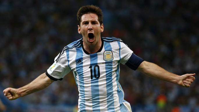 Messi gây ấn tượng với pha sút phạt vào lưới tuyển Mỹ