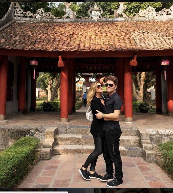 Vợ chồng Richard Marx tại Việt Nam