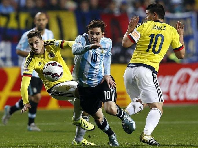 Messi tiếp tục gánh trọng trách vực dậy con tàu ArgentinaẢnh: REUTERS
