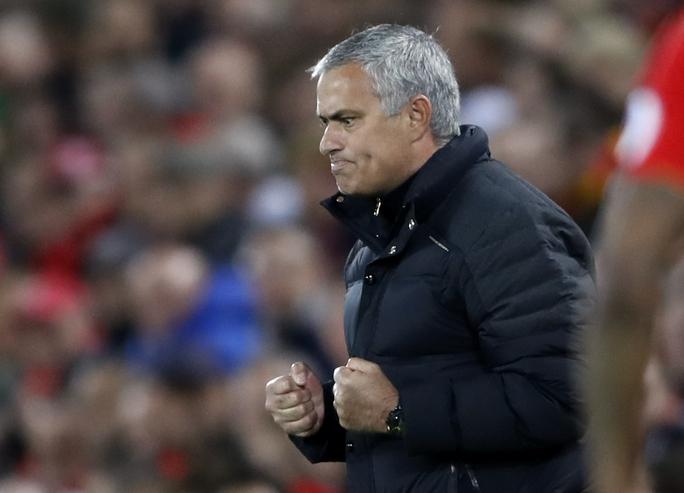 Sự hài lòng của HLV Mourinho khi trận đấu kết thúc