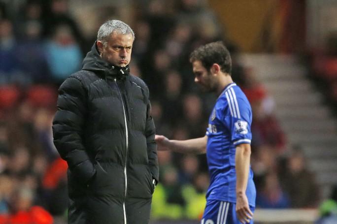 Mourinho và Mata lúc còn ở Chelsea