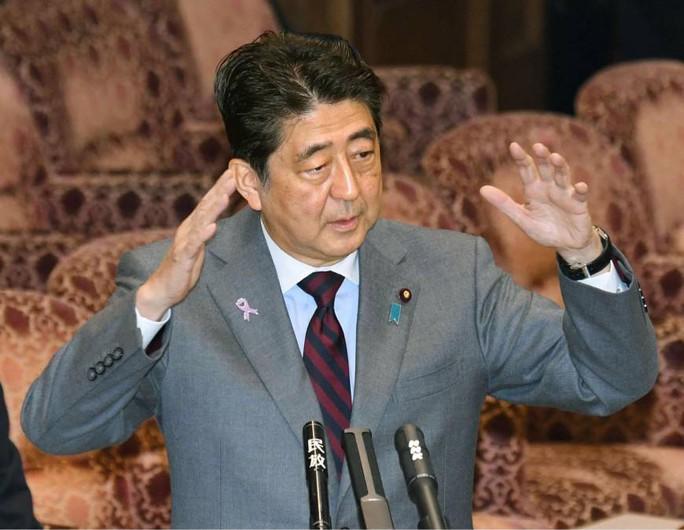 Thủ tướng Nhật Bản Shinzo Abe phát biểu hôm 15-11. Ảnh: Kyodo