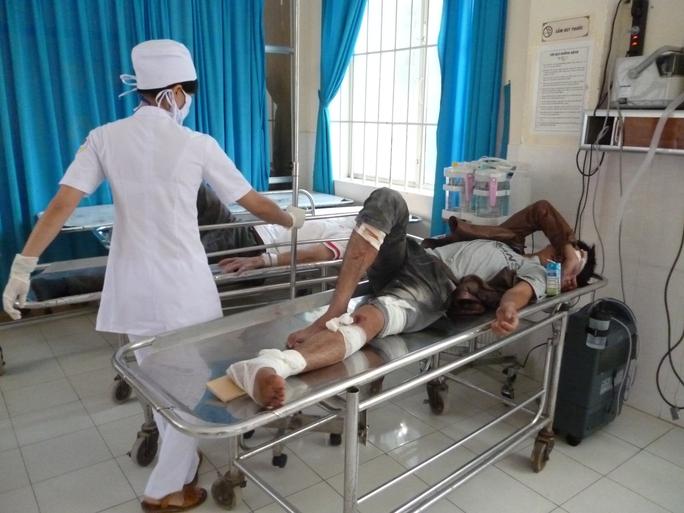 Bệnh viện Đa khoa khu vực Cam Ranh, tỉnh Khánh Hòa cấp cứu nạn nhân trong một vụ tai nạn