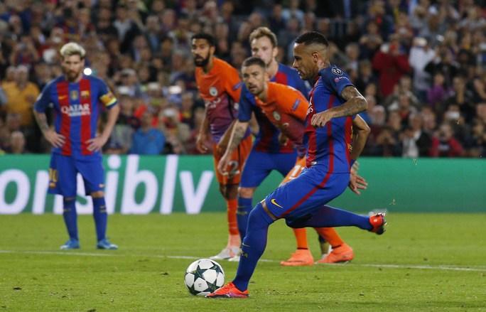Neymar đang có phong độ và là nhân tố giúp Barcelona lấy công bù thủ khi gặp ValenciaẢnh: REUTERS