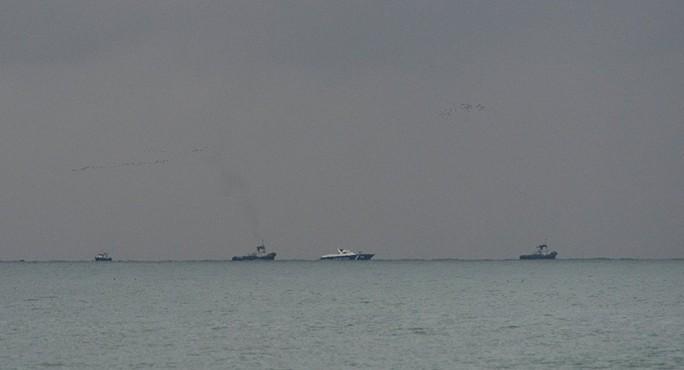 Các tàu tham gia chiến dịch tìm kiếm và cứu nạn. Ảnh: Sputnik
