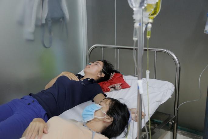 Công nhân thiếp đi tại bệnh viện