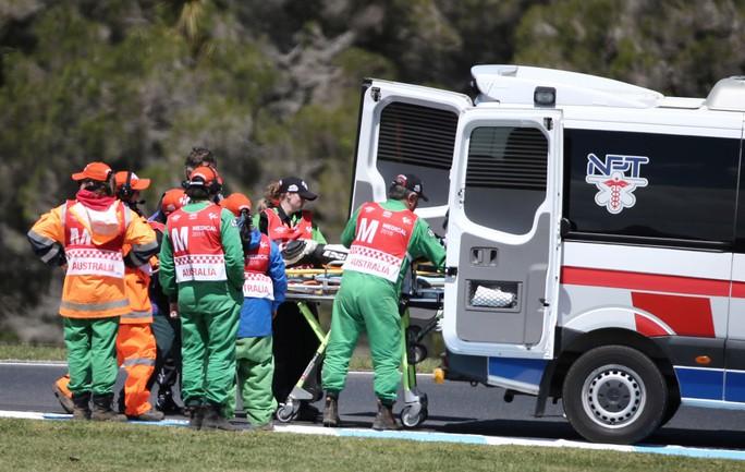 Kinh hoàng tai nạn đua mô tô ở Úc