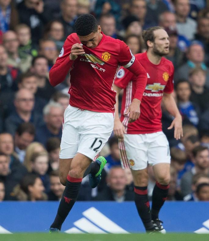 Smalling bị Mourinho chỉ trích về thái độ