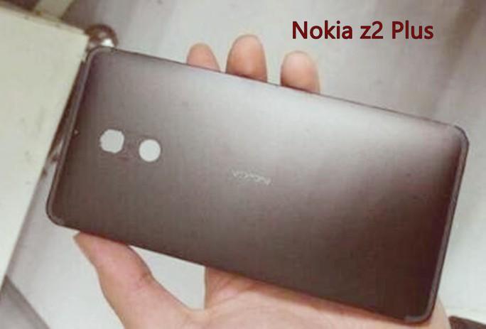 Mặt sau được cho là của Nokia Z2plus, máy sở hữu màn hình Full HD kích thước 5 inch đi kèm pin dung lượng cao 4.000 mAh. Ảnh: Trusted Reviews