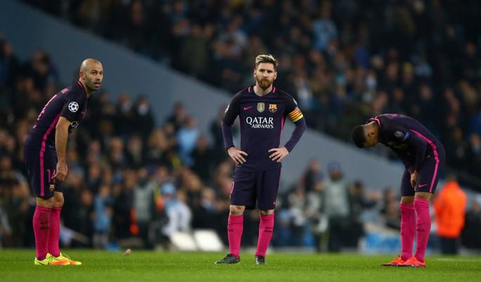 Kẻ lăng mạ Messi là người cũ của Barca