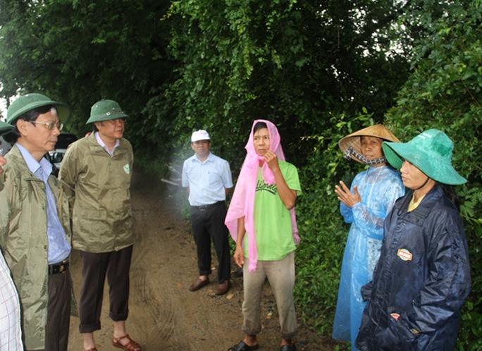 Lãnh đạo tỉnh Ninh Thuận đã lập nhiều đoàn công tác xuống từng địa phương để chỉ đạo công tác chống lũ