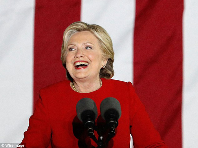 Gần 3 triệu người đã ký vào đơn kiến nghị các đại cử tri chọn bà Hillary Clinton làm tổng thống thay vì ông Trump. Ảnh: WireImage