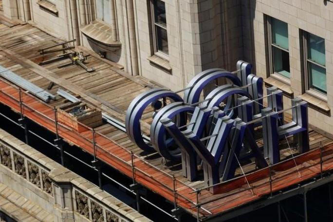 """Tháng 8, một tin tặc lấy tên """"Peace"""" định bán thông tin của 200 triệu người dùng Yahoo. Ảnh: REUTERS"""