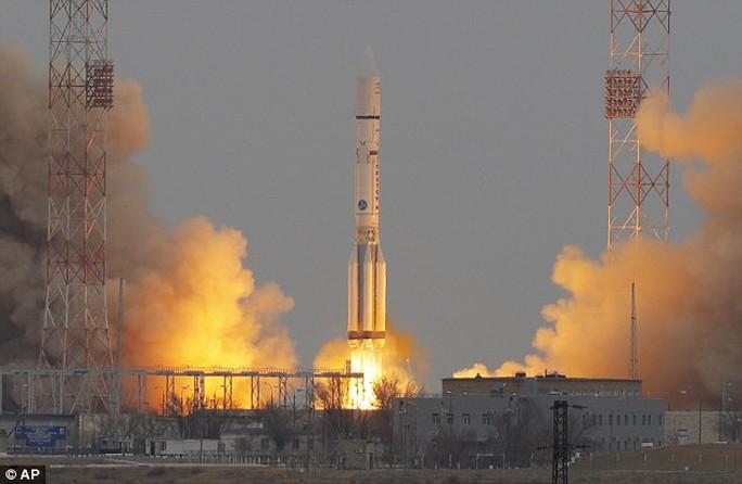 Nga đang phát triển loại tên lửa hạng siêu nặng với nhiệm vụ vận chuyển vật liệu để xây dựng căn cứ trên mặt trăng. Ảnh: AP
