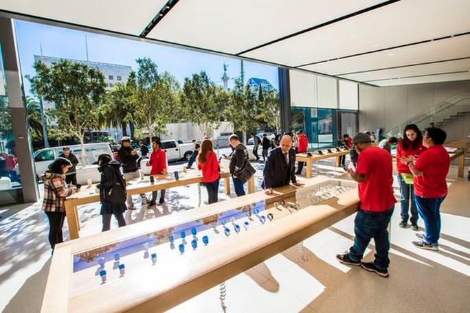 Apple Watch 2017 sẽ thu hút nhiều người dùng hơn? Ảnh: CNET.