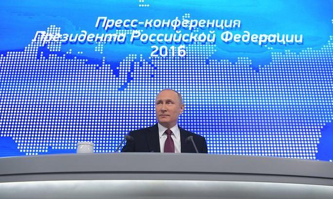 Ông Putin tại cuộc họp báo thường niên hôm 23-12. Ảnh: Tass