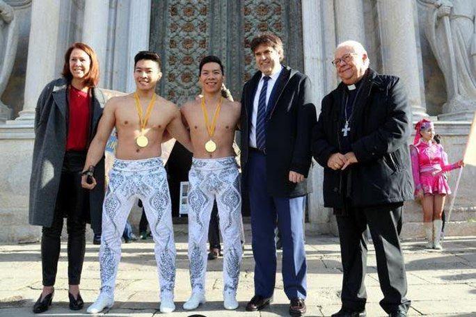 Họ mang vinh quang về cho xiếc Việt Nam
