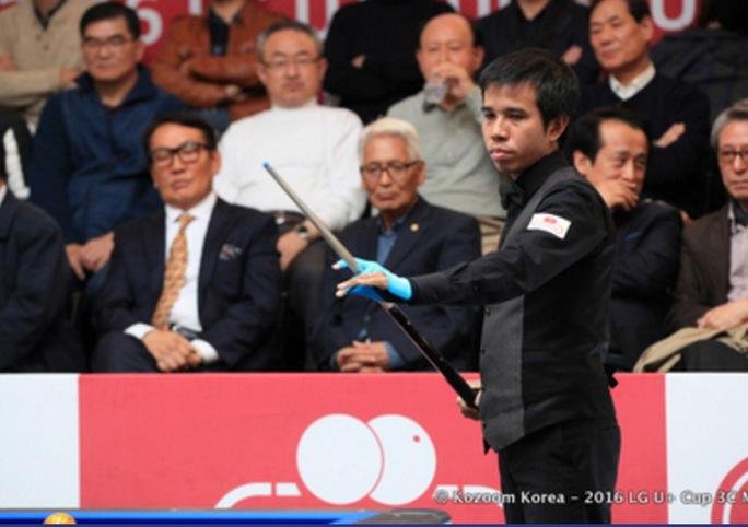 Cơ thủ Trần Quyết Chiến trong trận chung kết gặp cơ thủ người Hàn Quốc Choong-Bok Lee Ảnh: Đình Hòa