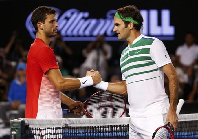 Djokovic lạnh lùng thoát hiểm, Federer chờ đối đầu tiểu Federer - Ảnh 6.