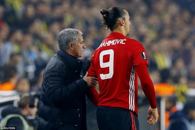 Fan Quỷ đỏ háo hức chờ Ibrahimovic trở lại - Ảnh 3.