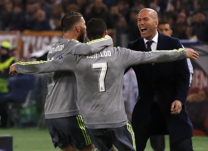 Zidane chuẩn bị nhận trát sa thải, Mourinho thay ghế nóng Real Madrid? - Ảnh 1.