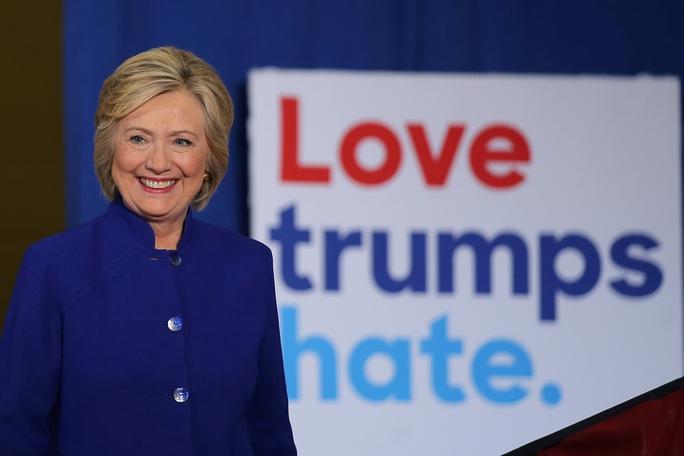 Ứng viên tổng thống Mỹ Hillary Clinton tại một sự kiện tranh cử ở TP Orlando, bang Florida hôm 21-9 Ảnh: Reuters