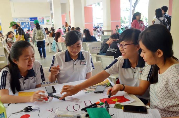 Sinh viên Trường ĐH Sư phạm TP HCM trong giờ tự học Ảnh: TẤN THẠNH