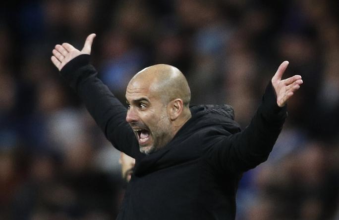 HLV Pep Guardiola giận dữ vì các học trò phí phạm cơ hội