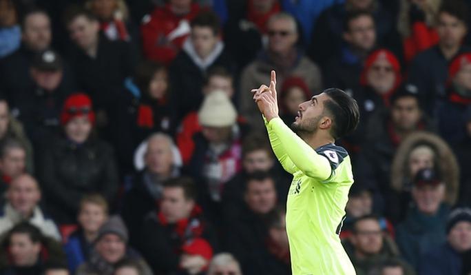 Can ghi bàn nâng tỉ số 3-1 cho Liverpool