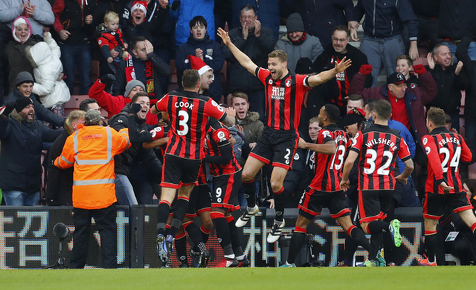 Niềm vui chiến thắng của các cầu thủ Bournemouth