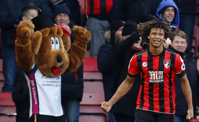 Ake ghi bàn ấn định chiến thắng cho Bournemouth