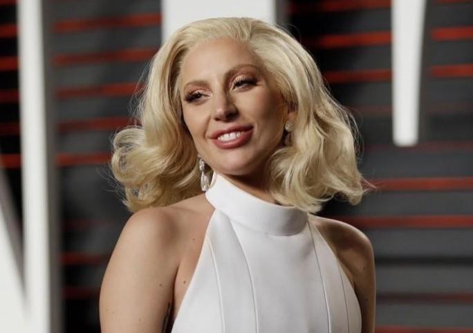 Lady Gaga vẫn chưa nguôi việc ông Donald Trump chiến thắng