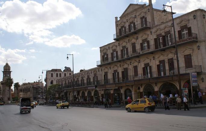 Quang cảnh khu vực tháp Đồng hồ Bab al-Faraj, Aleppo ngày 6-10-2010. Ảnh: Reuters