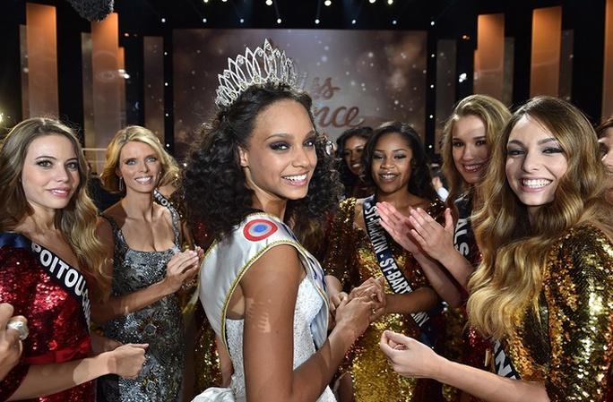 Cận ảnh nhan sắc Hoa hậu Pháp 2017